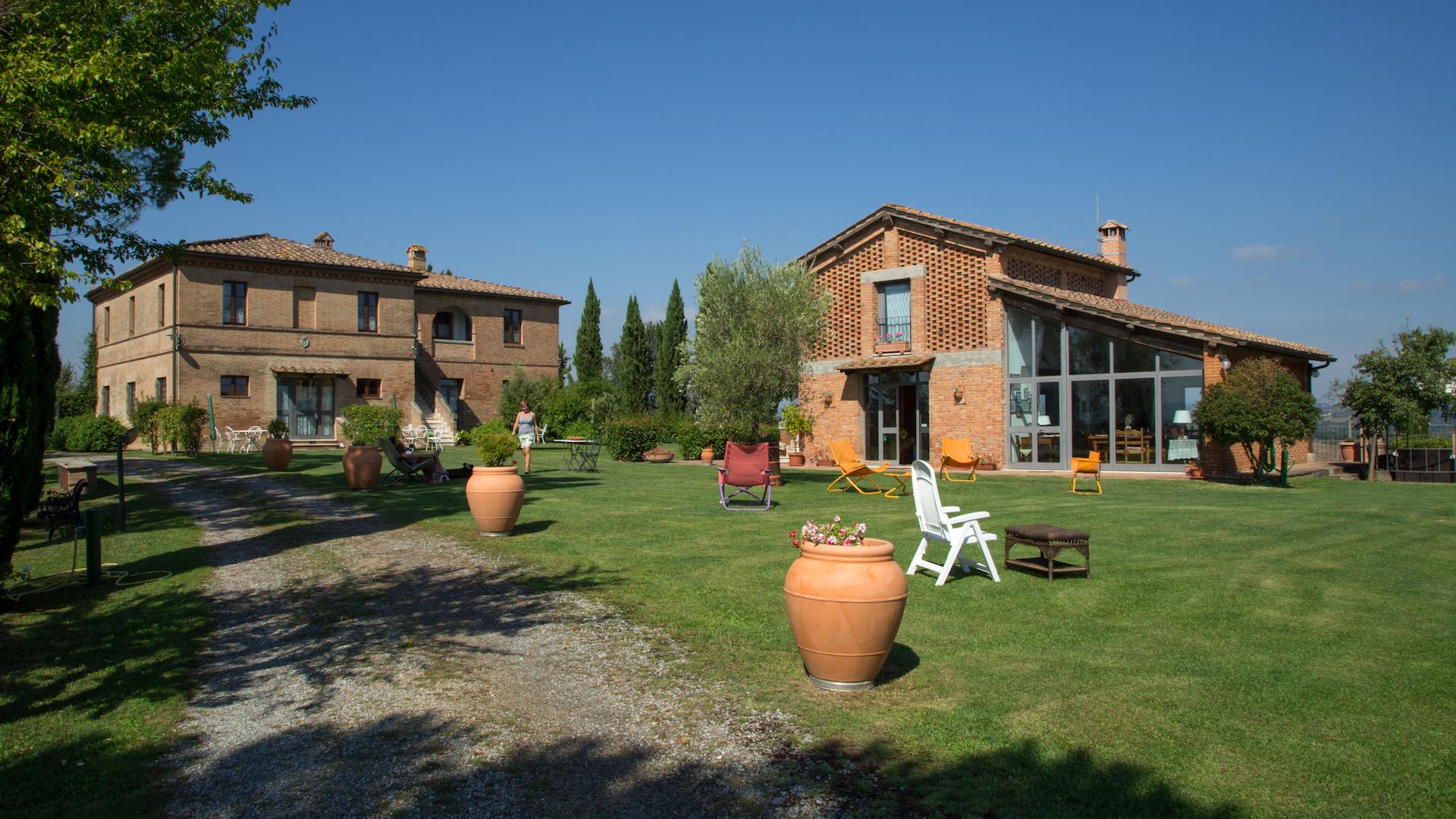 Relax in Crete Senesi, Tuscany